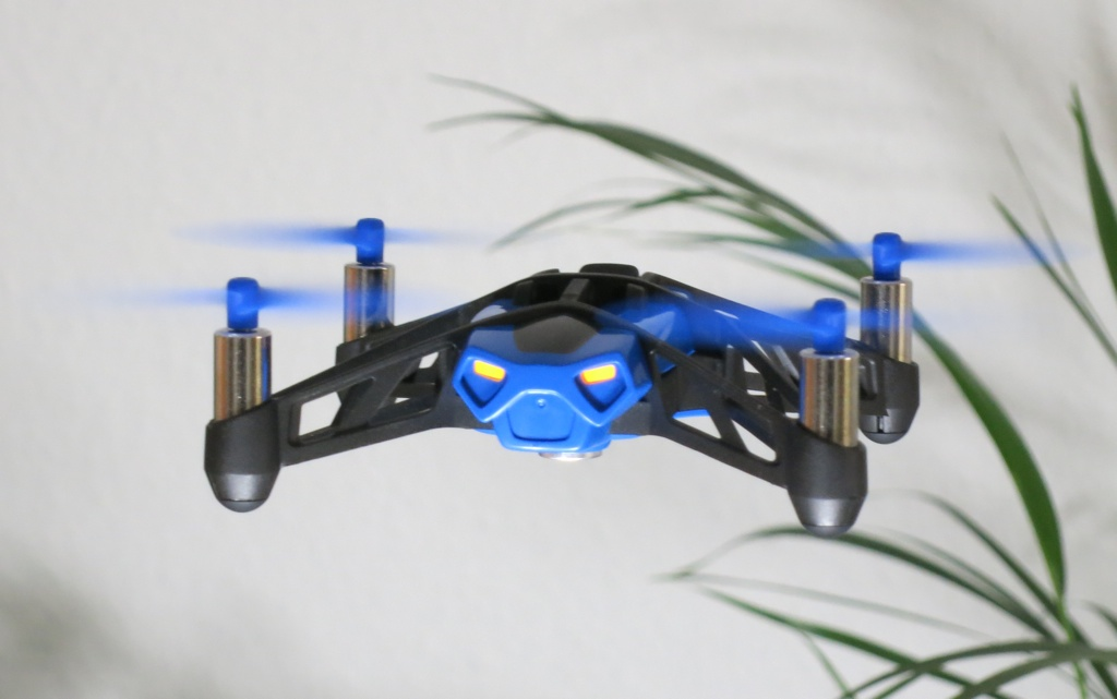 Test Parrot Mini Drone Rolling Spider