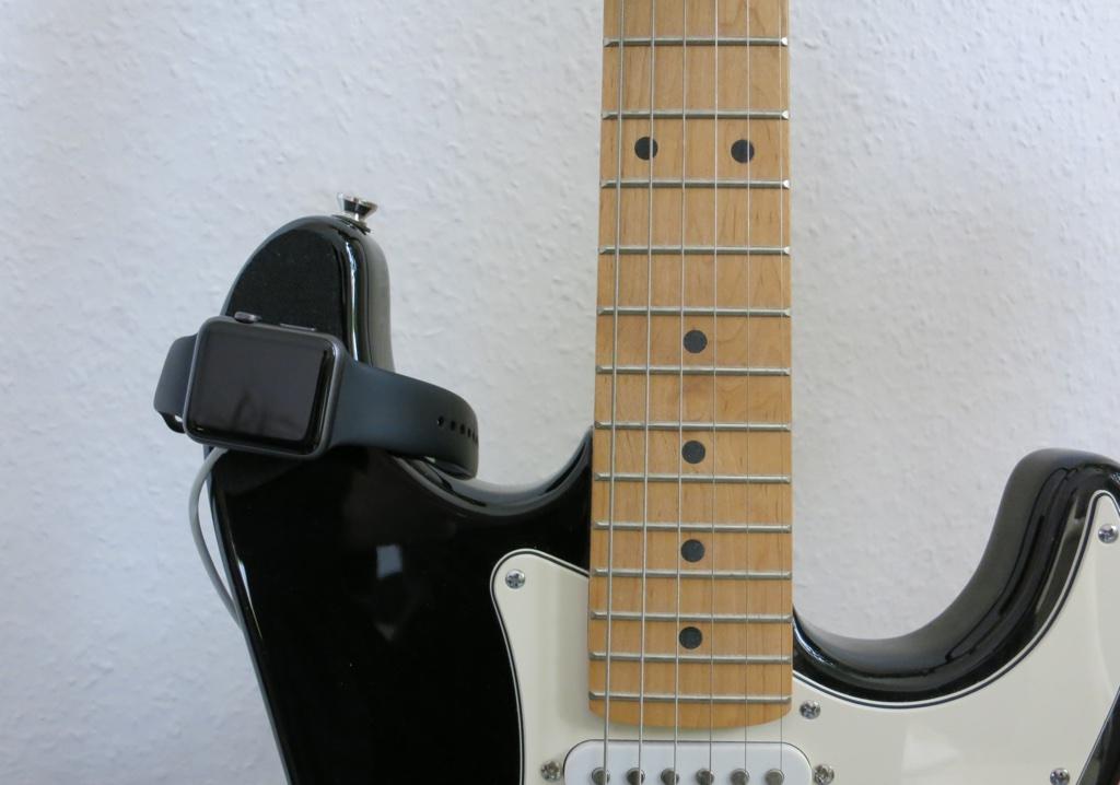 Beispiel Gitarre als Ladestation für Apple Watch