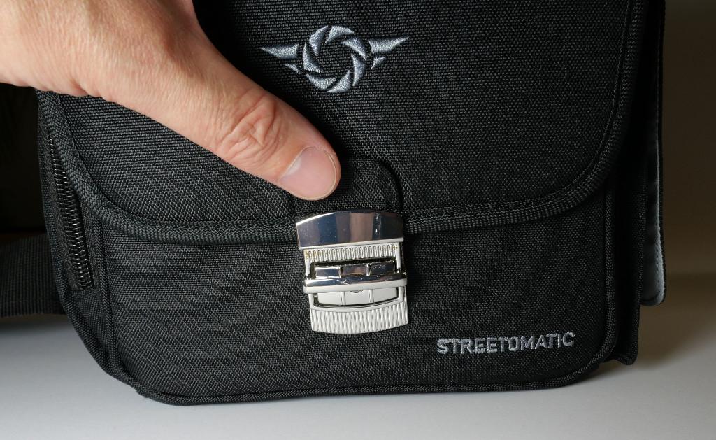Test Cosyspeed Camslinger Speedomatic Kompakte DSLR- und DSLM-Kameratasche für die Hüfte Schließmechanismus