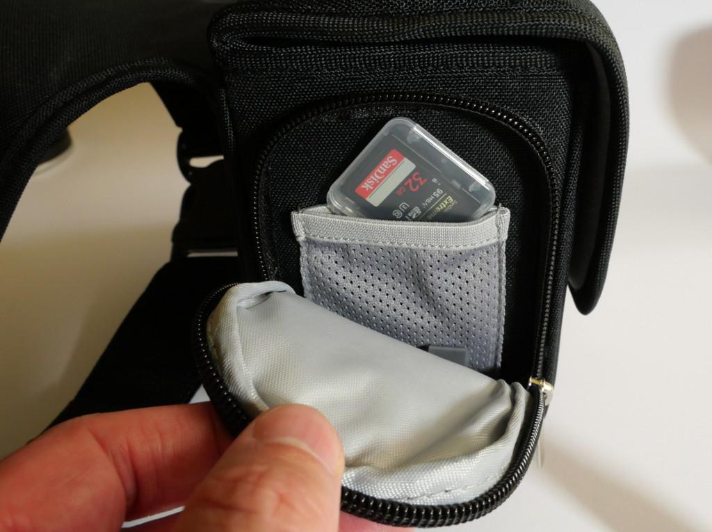 Test Cosyspeed Camslinger Speedomatic Kompakte DSLR- und DSLM-Kameratasche für die Hüfte Seitentasche mit Reißverschluss