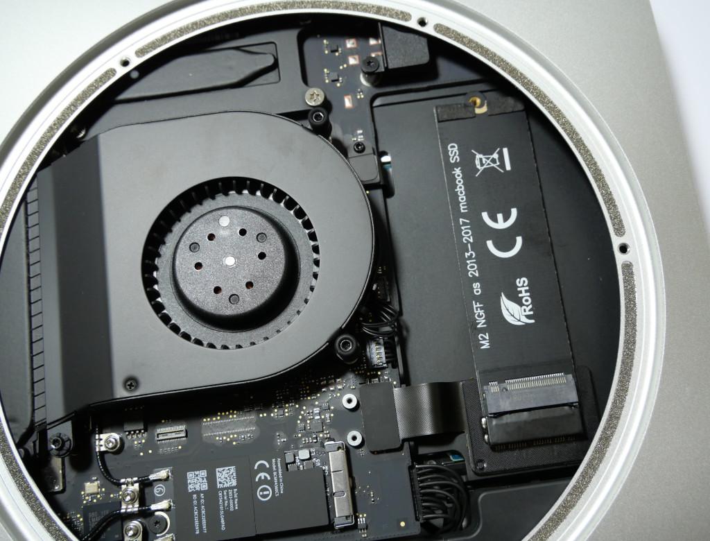 Turbo für den Mac mini PCIe-SSD einbauen eingebaute Adapter und Kabel